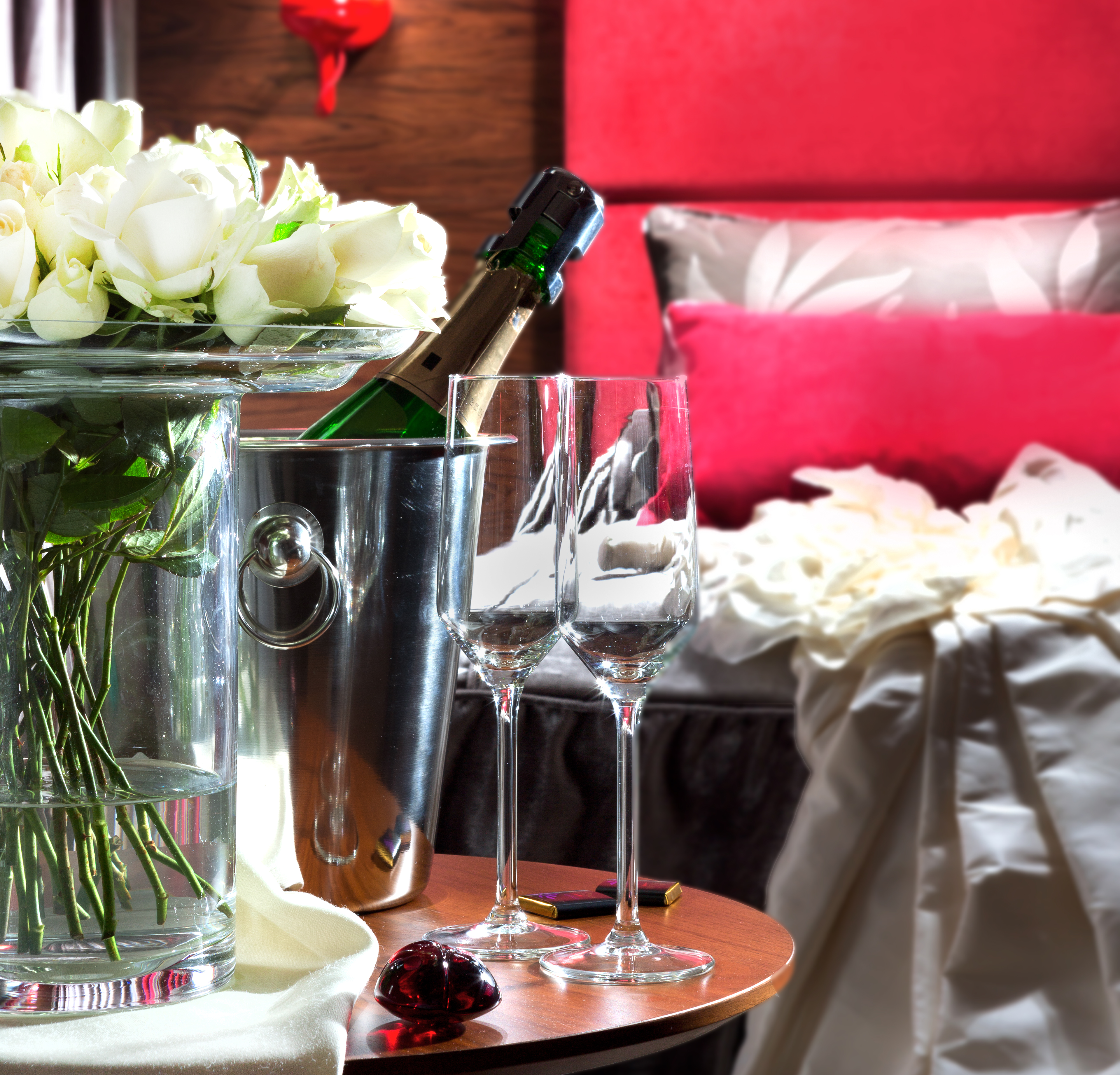 what to bring to a hotel for a romantic night